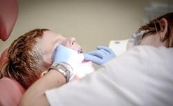 Copilul de 4 ani anesteziat la dentist a murit după ce initial a intrat în coma!