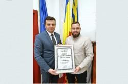 """Sergiu Bîlcea: Claudiu Negrea a primit diploma """"Arădeni cu care ne mândrim"""""""