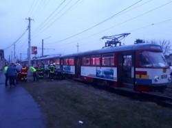 Accident mortal pe Stefan cel Mare! O femeie prinsă sub tramvai nu a mai putut fi salvată de echipele de intervenţie