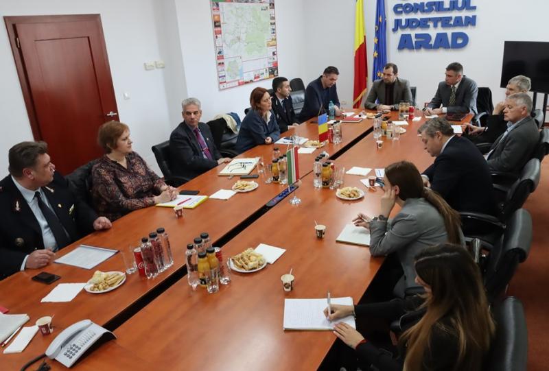 Co-preşedinţii Comisiei Mixte Arad – Bekes s-au întâlnit la Arad
