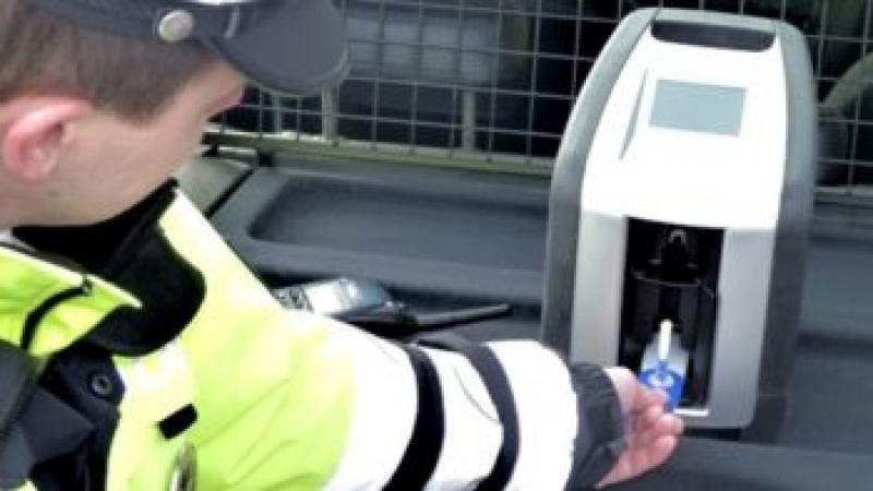 Șofer de 50 de ani din Arad, prins DROGAT la volan !