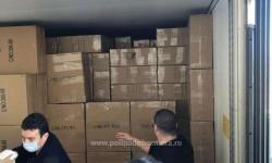 Peste 33.500 de articole susceptibile a fi contra-făcute, descoperite într-un automarfar la P.T.F. Nădlac II