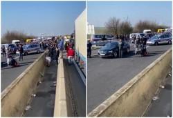 Aproximativ 800 de autoturisme cu români mai sunt la granița dintre Ungaria și Austria. Autoritățile maghiare au lăsat deschid coridorul de tranzit de câte ori este nevoie!