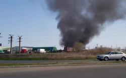Un fum gros a creat panică în zona centurii din Arad