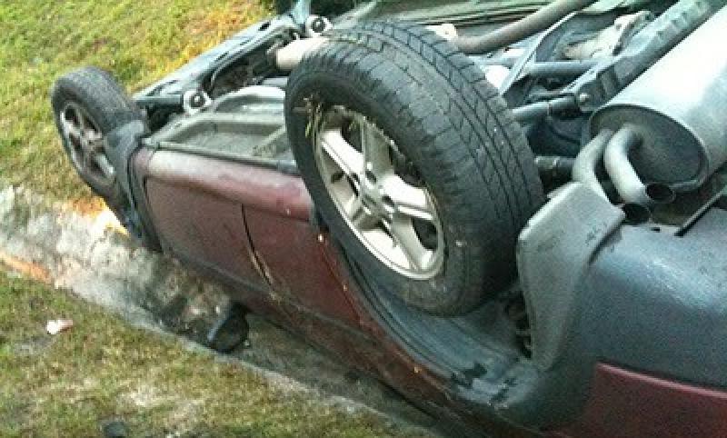 Autoturism furat și abandonat aproape de Sânpetru German