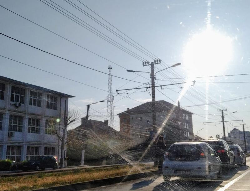 Culmea șoferiei: să ajungi într-un carambol pe perioada traficului redus. S-a Întâmplat în Arad pe Calea Iuliu Maniu