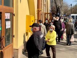 """""""NEBUNIE"""" în pieţele agroalimentare din Arad sâmbătă dimineaţa!"""