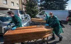 Un nou val de decese. 631 persoane au murit în România, până acum, printre care o doctorita din Botosani