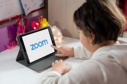 Echipamente informatice şi conectare la internet pentru elevii din Arad