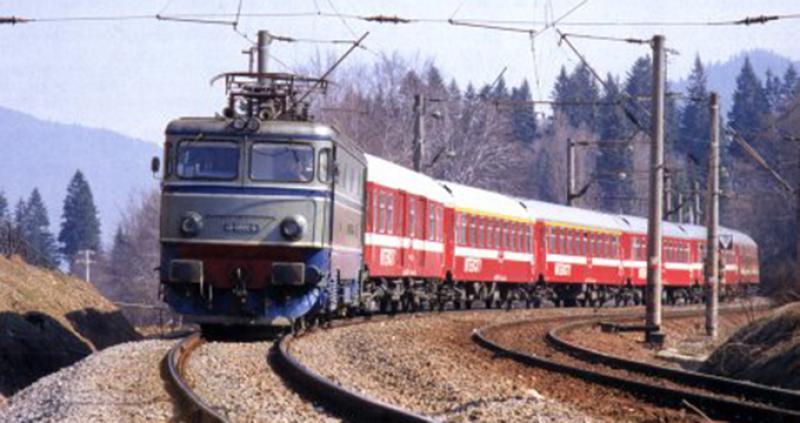 CFR Călători a suplimentat numărul de vagoane la trenurile spre litoral