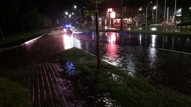 Ce zone din oraş s-au mai inundat după ploaia torenţială de marţi noaptea