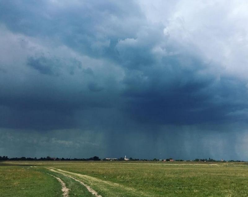 Cod Portocaliu de inundații în Arad! S-au Codul Galbem de vreme rea!
