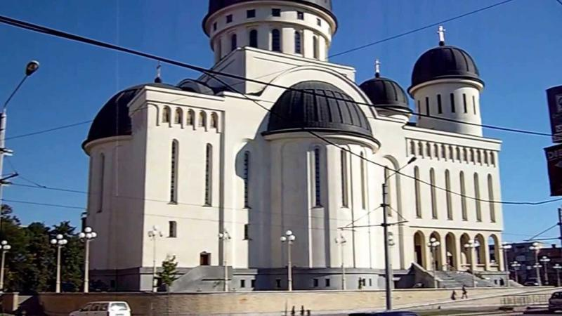 Se redeschid bisericile  pentru slujbe în interior. Regulile vor fi stabilite de MAI