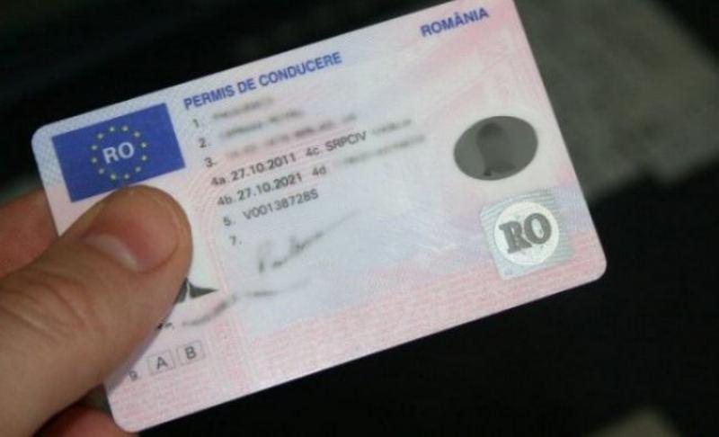 De miercuri, s-a scumpit eliberarea permisului de conducere auto și a certificatului de înmatriculare