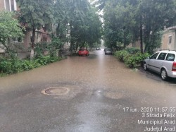 Peste 60 de litri / metru pătrat s-au înregistrat miercuri dimineaţa în Arad