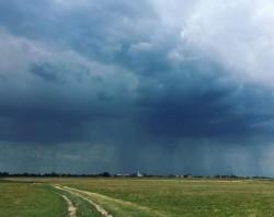Avertizare ANM: Aradul şi alte 22 de judeţe sub avertizare de Cod portocaliu de vreme rea