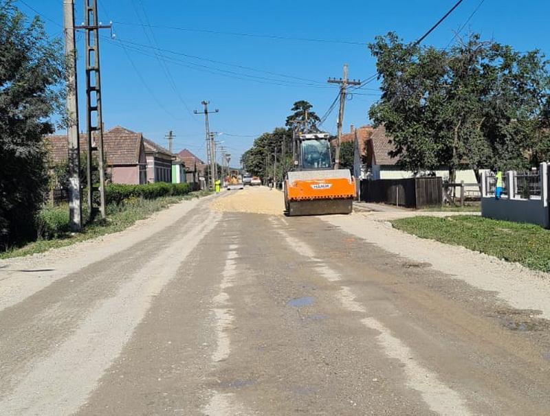 Firma constructoare a anunțat că va lucra non-stop pe drumul județean Pâncota-Buteni