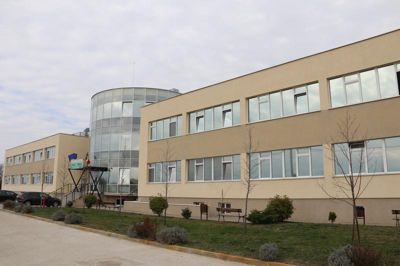 Cinci pacienți din Timiș, diagnosticați cu SARS CoV-2, așteptați să fie transferaţi în această seară la Arad