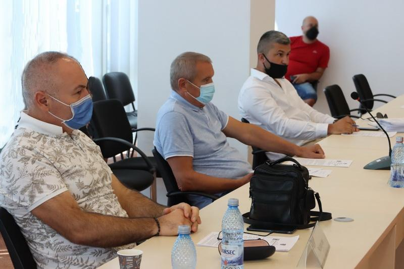 Vot negativ al consilierilor PSD în Consiliul Judeţean pentru modernizarea a două drumuri importante pentru Arad