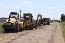 Se lucrează la peste 90 km drum județean între Arad și Moneasa, un drum total înnoit