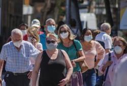 De astăzi, masca este obligatorie în județul Arad în unele dintre spațiile publice din aer liber