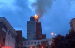 Clădirea Consiliului Județean Caraș-Severin, în flăcări!