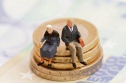 Noi reguli pentru pensionarea la limita de vârstă