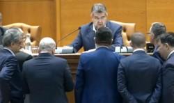 Eșec total al PSD în Parlament: moțiunea de cenzură nu a mai fost dezbătută și votată din lipsă de cvorum!