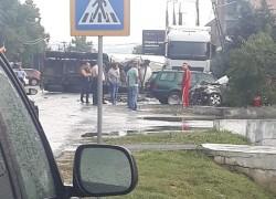 Accident cu victimă în fața primăriei Seleuș ! O cisternă răsturnată a blocat circulația în localitate