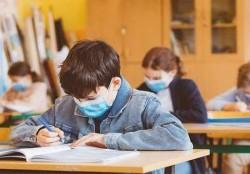 Şcolile din municipiul Arad trec de astăzi în scenariul galben
