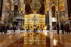 Slujbele religioase în biserici sunt din nou permise a decis Comitetul Județean pentru Situații de Urgență Arad