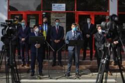 Liberalii arădeni au depus la Biroul Electoral Județean Arad dosarele cu semnăturile pentru susținerea candidaturilor la alegerile parlamentare