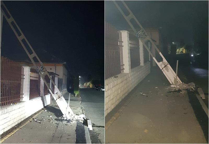 Un BMW a făcut praf un stâlp de curent şi a lăsat o parte din Aradul Nou fără curent