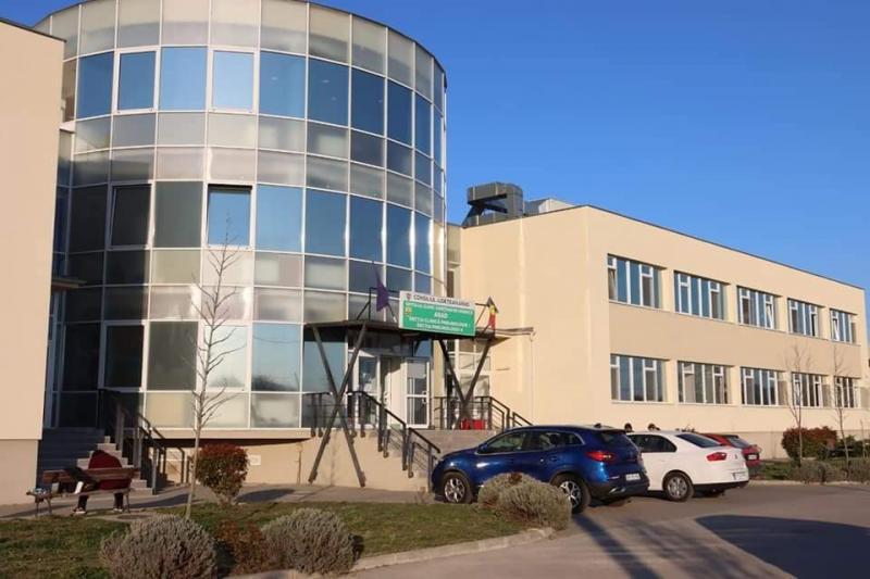 335 pacienţi internaţi în secţiile Covid ale Spitalului Clinic Județean de Urgență Arad