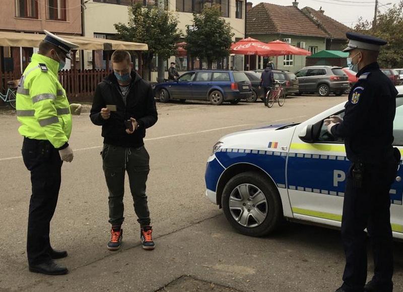239 de sancţiuni contravenţionale într-o singură zi au scris polițiștii arădeni pentru nerespectarea măsurilor anti-Covid