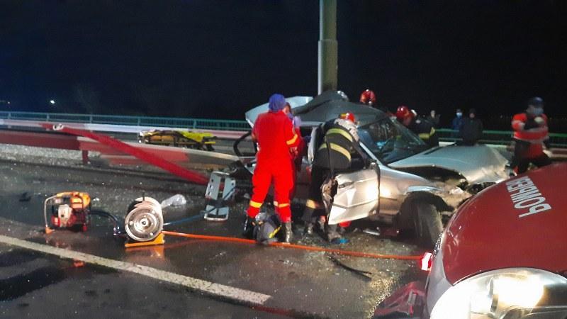Accident pe podul din Micalaca 300 în zona Gemi! Intervine descarcerarea!
