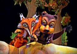 """Piesa de teatru de păpuși """"Ursul păcălit de vulte"""", ONLINE de la cinematograful din Grădiște"""