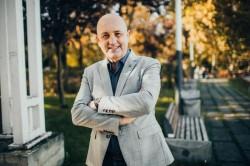"""Lazăr Faur, jurnalistul care a decis să devină politician, pentru a ajuta oamenii: """"Aceste alegeri sunt despre viitorul nostru"""" (P)"""