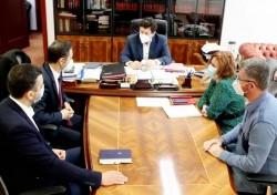 Consiliile Judeţene Arad şi Timiş în şedinţă de lucru pentru stabilirea proiectelor comune de colaborare