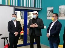 """Ministrul Mediului, Mircea Fechet: """"Aradul este un oraș care nu are probleme cu calitatea aerului. Aveți multe proiecte pe mediu, colectați gunoiul selectiv, aveți taxiuri electrice""""(P)"""