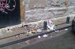 Legea a fost promulgată! Românii obligați prin lege să își facă curat în fața locuințelor și să renoveze fațadele caselor și blocurilor