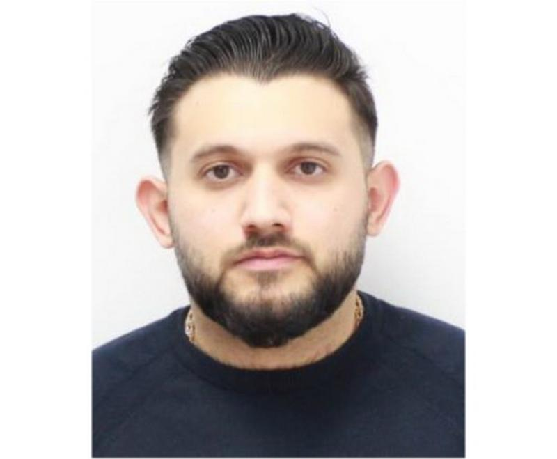 Tânăr de 23 de ani domiciliat în Arad, căutat pentru deținere ilegală de arme