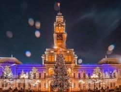 Anul acesta, arădenii aprind online luminile bradului de Crăciun