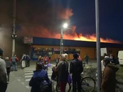 """Supermarketul """"Flana"""" din Gai cuprins de flăcări!"""