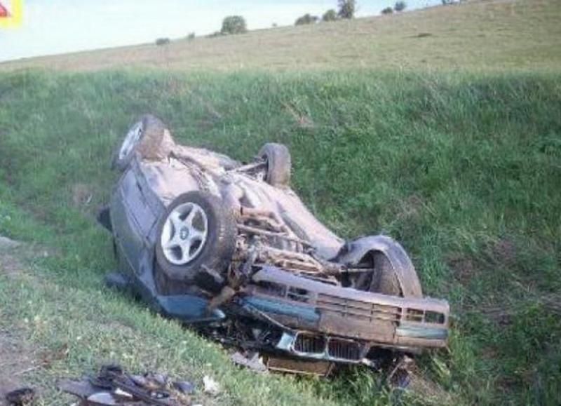 S-a răsturnat în Felnac cu mașina la 77 de ani rupt de beat
