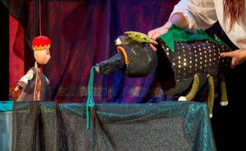 """""""Zâna lacului"""" – poveste pentru cei mici, duminică, pe scena Trupei Marionete"""