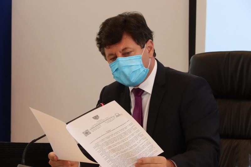 """Iustin Cionca: """"53.085 de teste pentru depistare a virusului SARS CoV-2 în Arad, cu aparatura finanțată de Consiliul Județean!"""""""