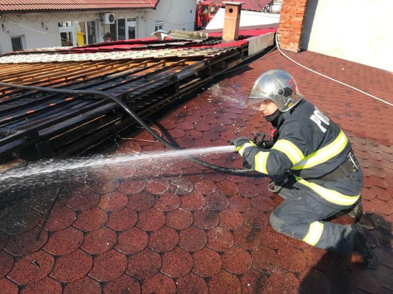 Incendiu casă particulară în Vladimirescu