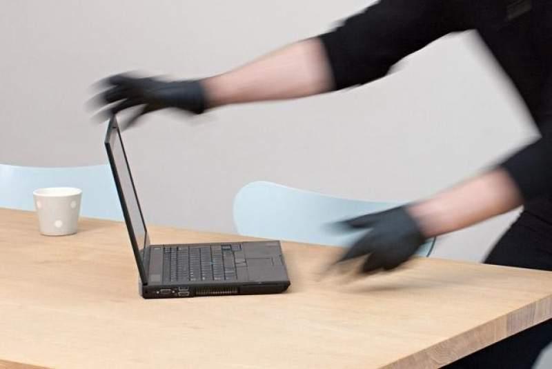 Laptop furat unui cunoscut ziarist arădean! Poliția și STS-ul neputincioase în reolvarea cazului!