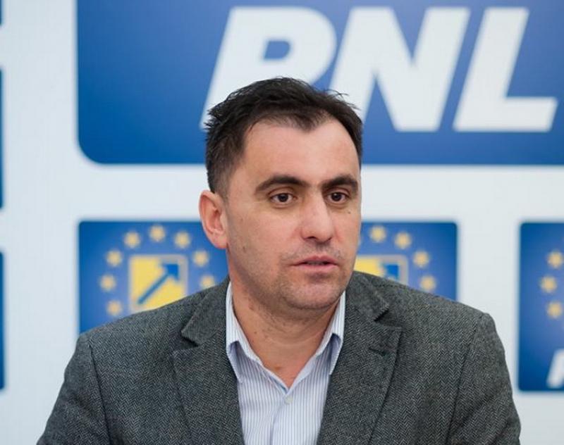 Ioan Cristina a cerut ministrului Sănătăţii o poziţie oficială cu privire la lipsa personalului medical din punctele de trecere a frontierei